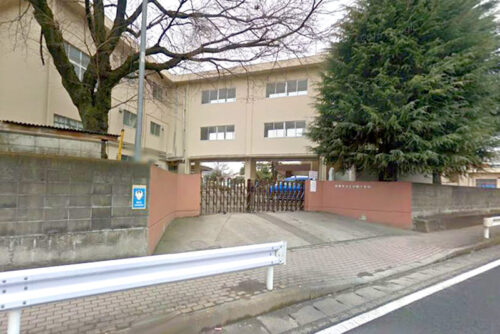 中野小学校:約1,280m<br>徒歩約16分、車約4分