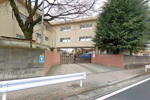 中野小学校:約26m<br>徒歩約1分