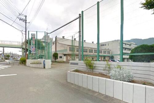 中野中学校:約350m<br>徒歩約5分、自転車約2分